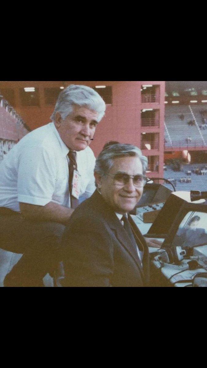 En este 2017 se fueron dos personajes del fútbol regiomontano : Don Carlos Miloc y Don Roberto Hernández Jr. https://t.co/c6b0U0Kdt2