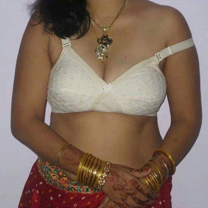 Hot indian girl nip slip