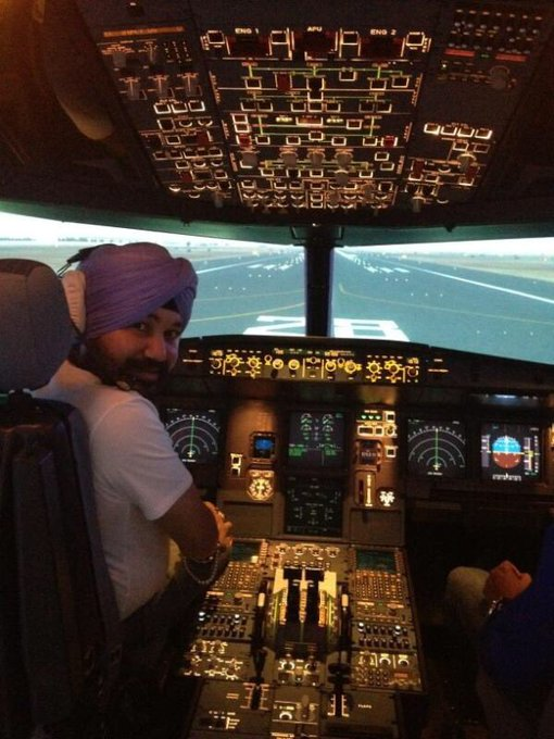 All set to take off! Rab Rakha. https://t.co/Dc61RU57et