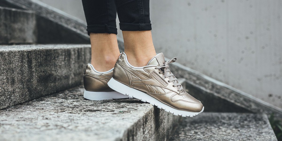 704bf9e6d2e3a Reebok Classic Leather Melted Metal Pearl MetGrey Gold  White El Más ...