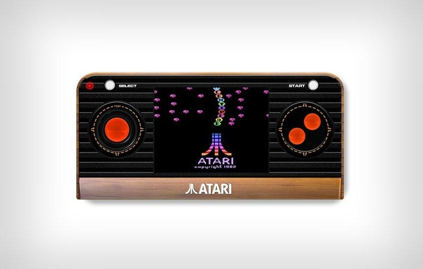 Atari portátil vem com 50 games clássicos na memória e pode ser ligado à TV: https://t.co/IjrZlPpmaL