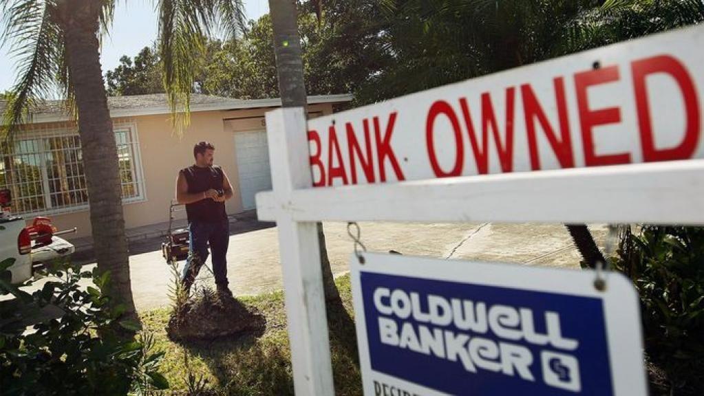 Foreclosure Process in 4 Simple Steps | @realtordotcom https://t.co/fVd0zrLxWq #RealEstate https://t.co/SiJUIOoyrl