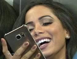 @Anitta @PretaGil Berro que a Anitta inv...
