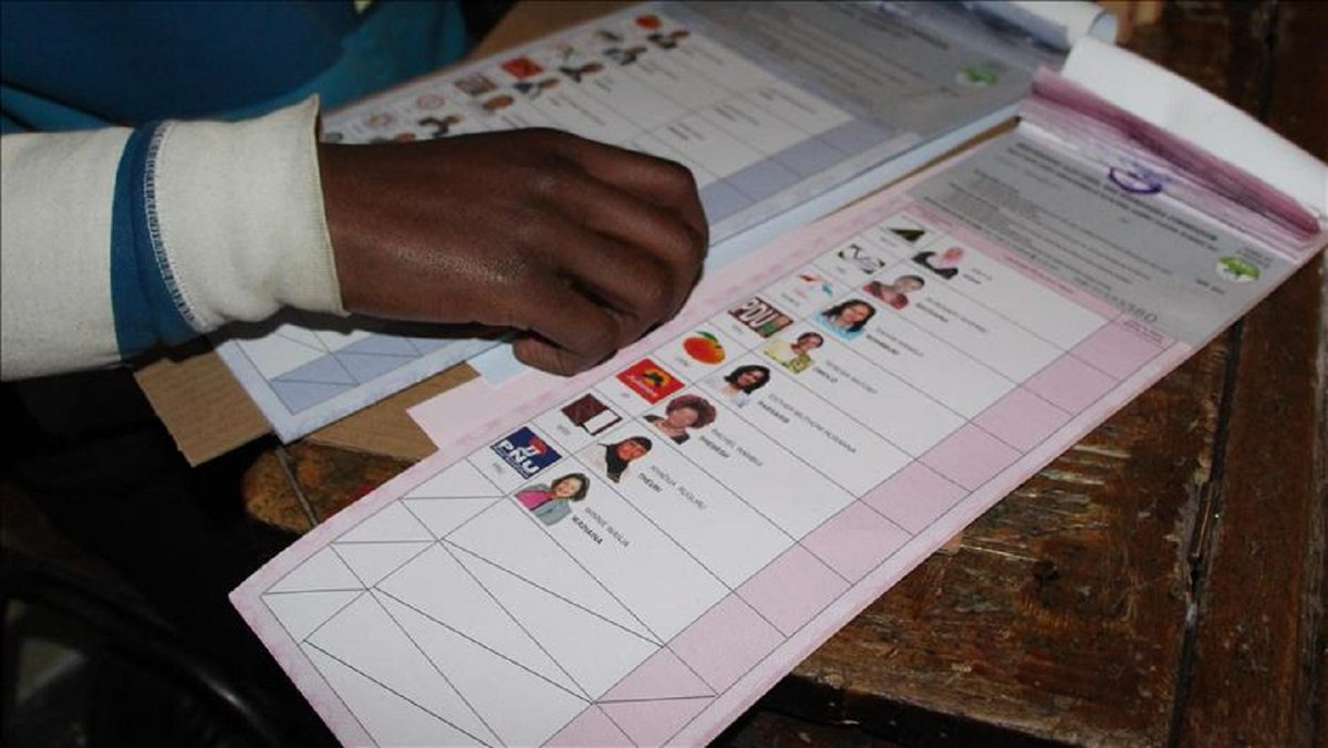 #Kenya: Rerun of marred presidential polls due Oct. 17  http://www. yenisafak.com/en/dunya/kenya -rerun-of-marred-presidential-polls-due-oct-17-2790151 &nbsp; …  #KenyaPresident  #kenyadecides2017<br>http://pic.twitter.com/zUtG9o3QIw