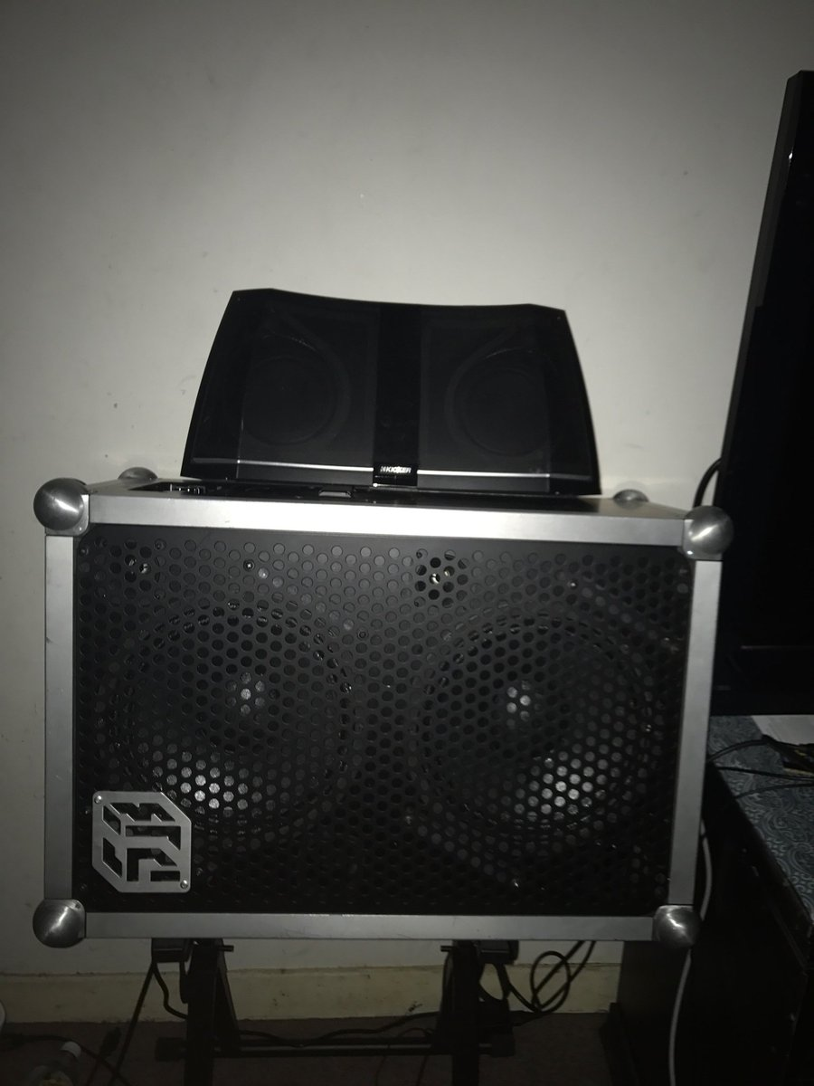 Flossy Carter On Twitter The World S Loudest Portable Bluetooth Speaker The Soundboks Https T Co 5fqshuoqjb