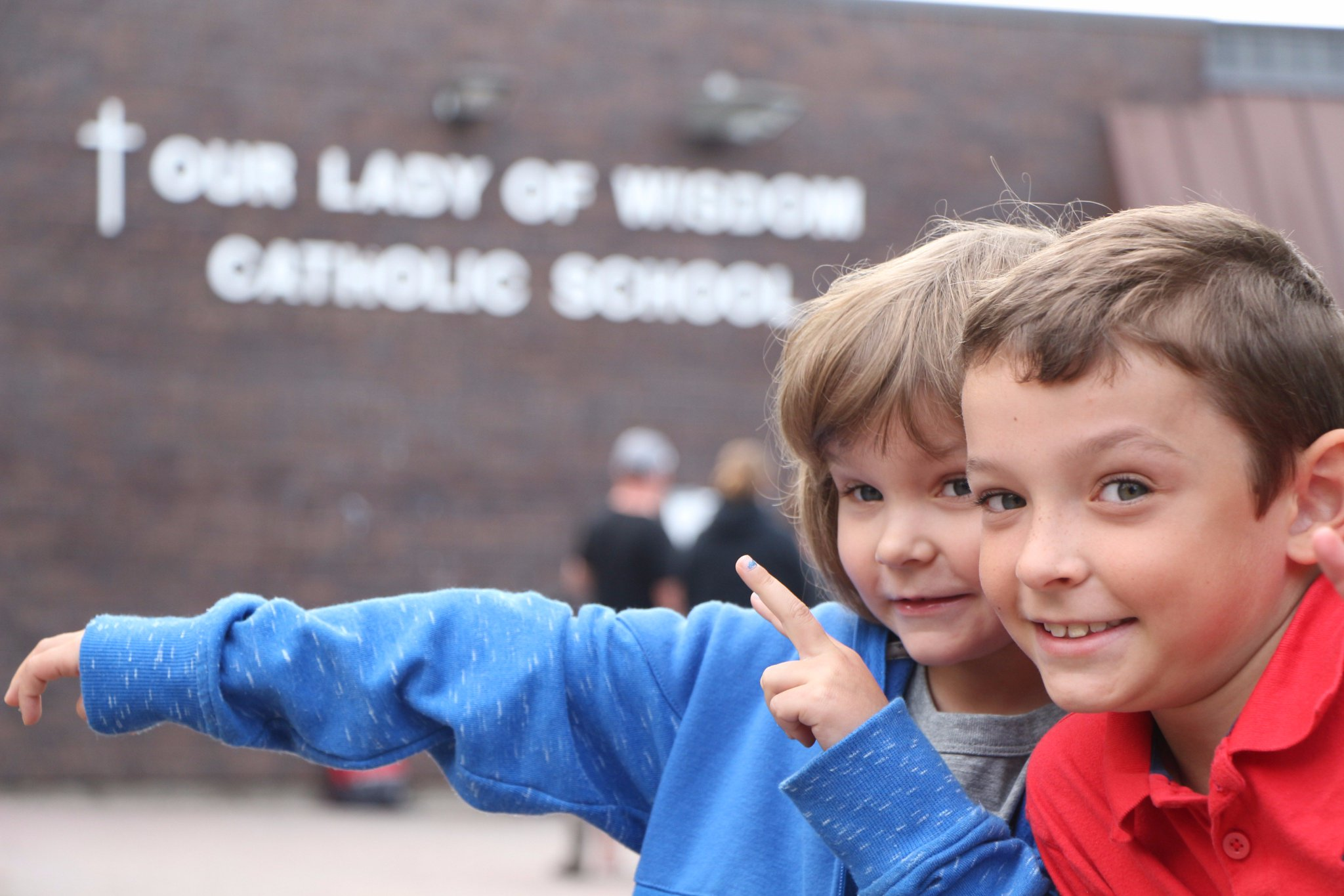 Happy first day of school! They were excited to see their friends and teachers @WISCatholic. #ocsbFirstDay https://t.co/6MCU2wd6MO