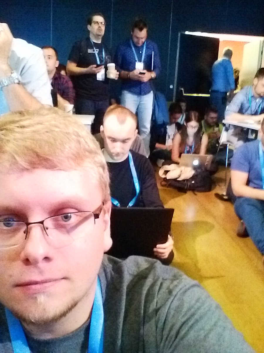 #GDDEurope #Codelab about Building an App with #Android #ArchitectureComponents. So excited to be here with many #experts &amp; #developers!<br>http://pic.twitter.com/UtNRzdmcwC