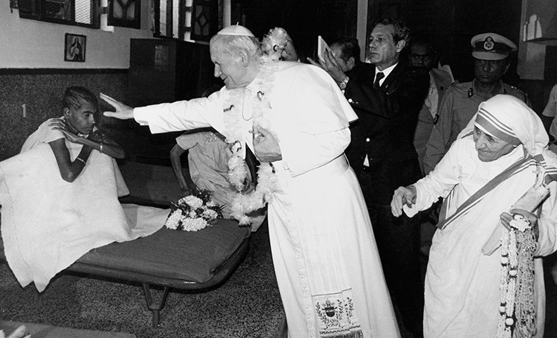 Saint Of The Day Saint Teresa of Calcutta  https://t.co/GUdjeeQctP https://t.co/o4MrBm8B0l