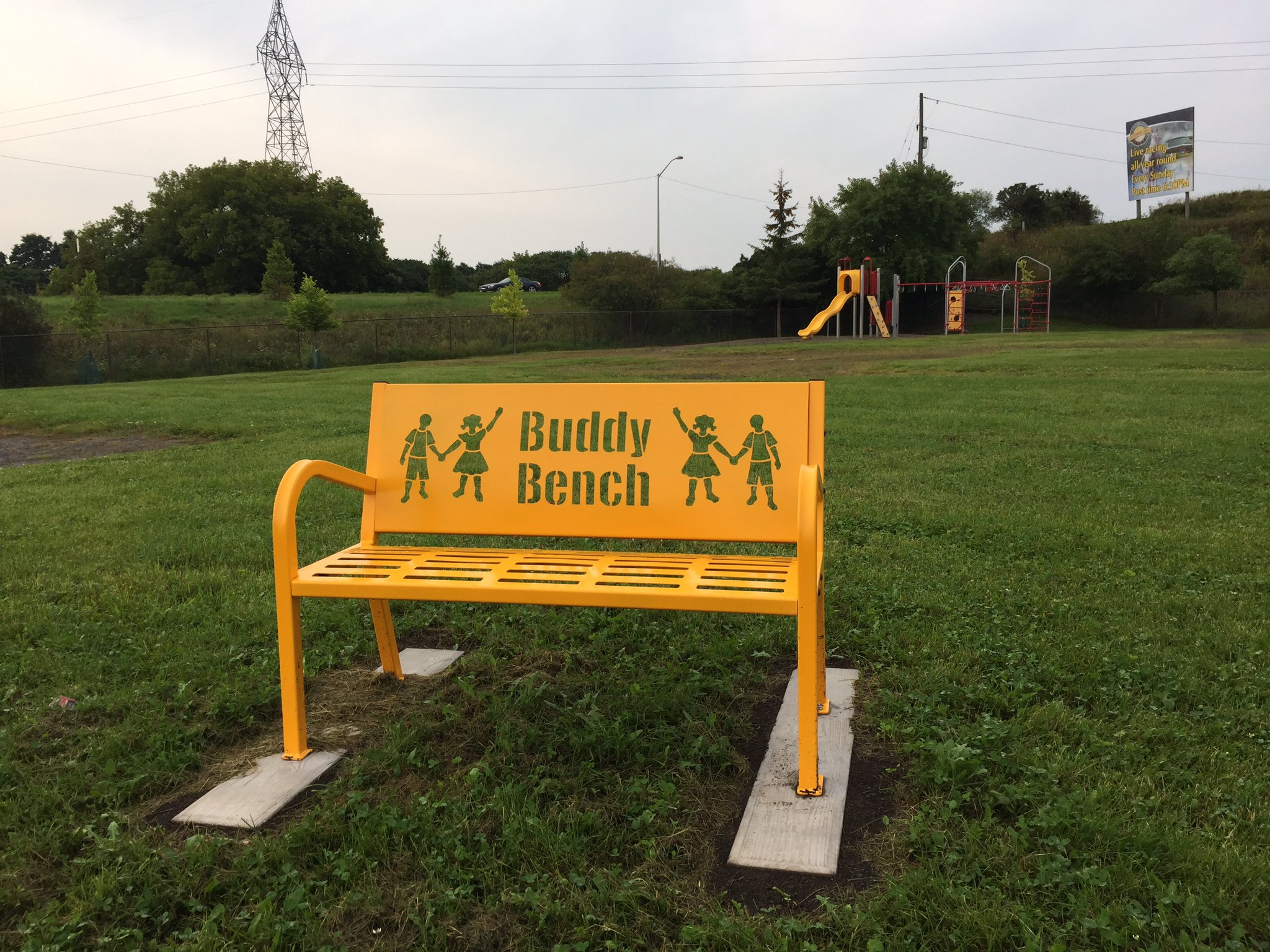 Our new Buddy Bench is installed and ready for its first customers! #ocsbFirstDay https://t.co/Xl4yCaV64n