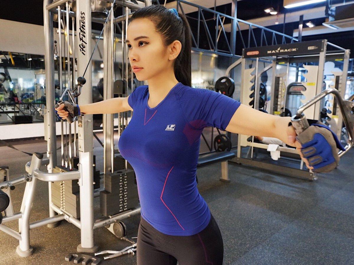 "MARIA VANIA on Twitter: ""Gym workout on a Tuesday night! Bam ?… """