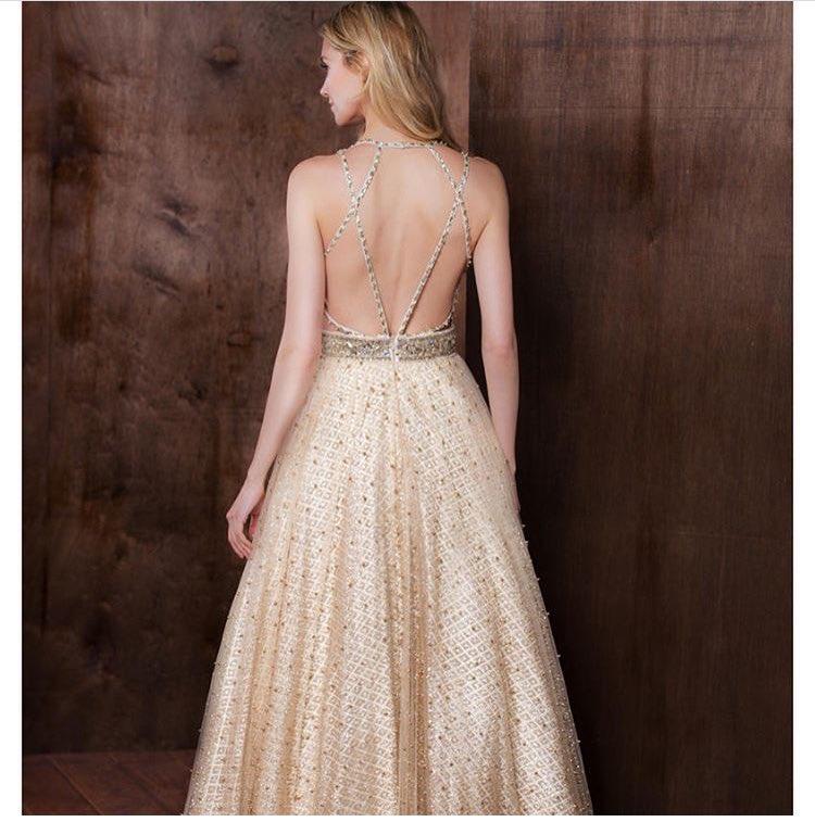 شارك معانا بفستان خطوبة او زفاف على ذوقك  - صفحة 3 DIAFdkuXYAAS5iZ