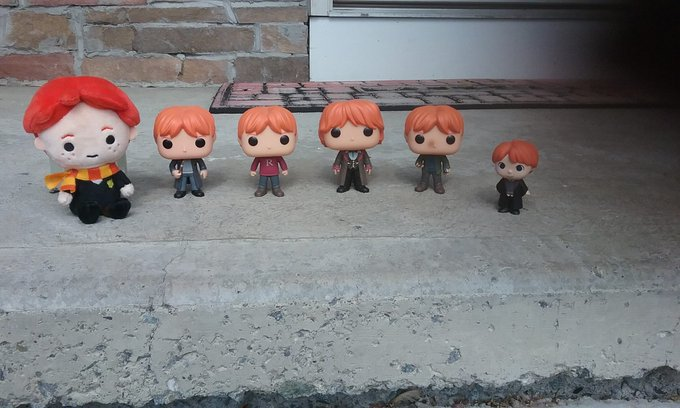 Happy 29th Birthday Rupert Grint! Here are all my Ron figures to celebrate :))