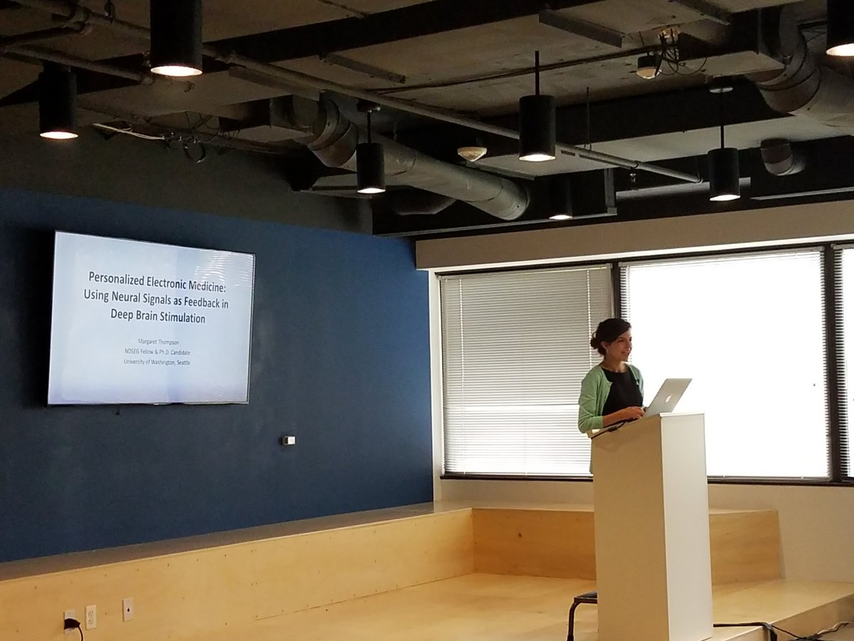 .@NDSEG Fellow discussing responsive healthcare using #deepbrainstimulation  as a test case. #thisisDoDscience #DoDSTIx<br>http://pic.twitter.com/dm1PK863Ki