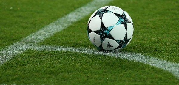 LIVE: Champions League-loting met Feyenoord #clloting #loting #feyenoord  http://www. soccernews.nl/news/400835/li ve:_champions_league-loting_met_feyenoord &nbsp; … <br>http://pic.twitter.com/lyejyda0mG