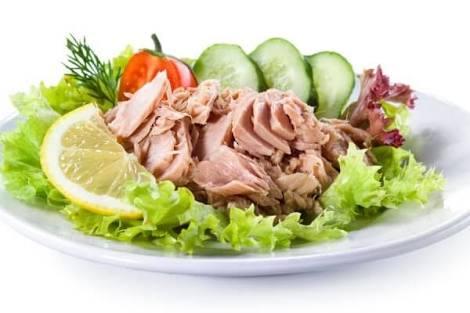 #hoy #comí #encasa #atun #sardina #pollo #ensalada #aguitadelimon #meencanto #comida #basica #healthyfood #athlete #quien #quiere #yoinvito🎆