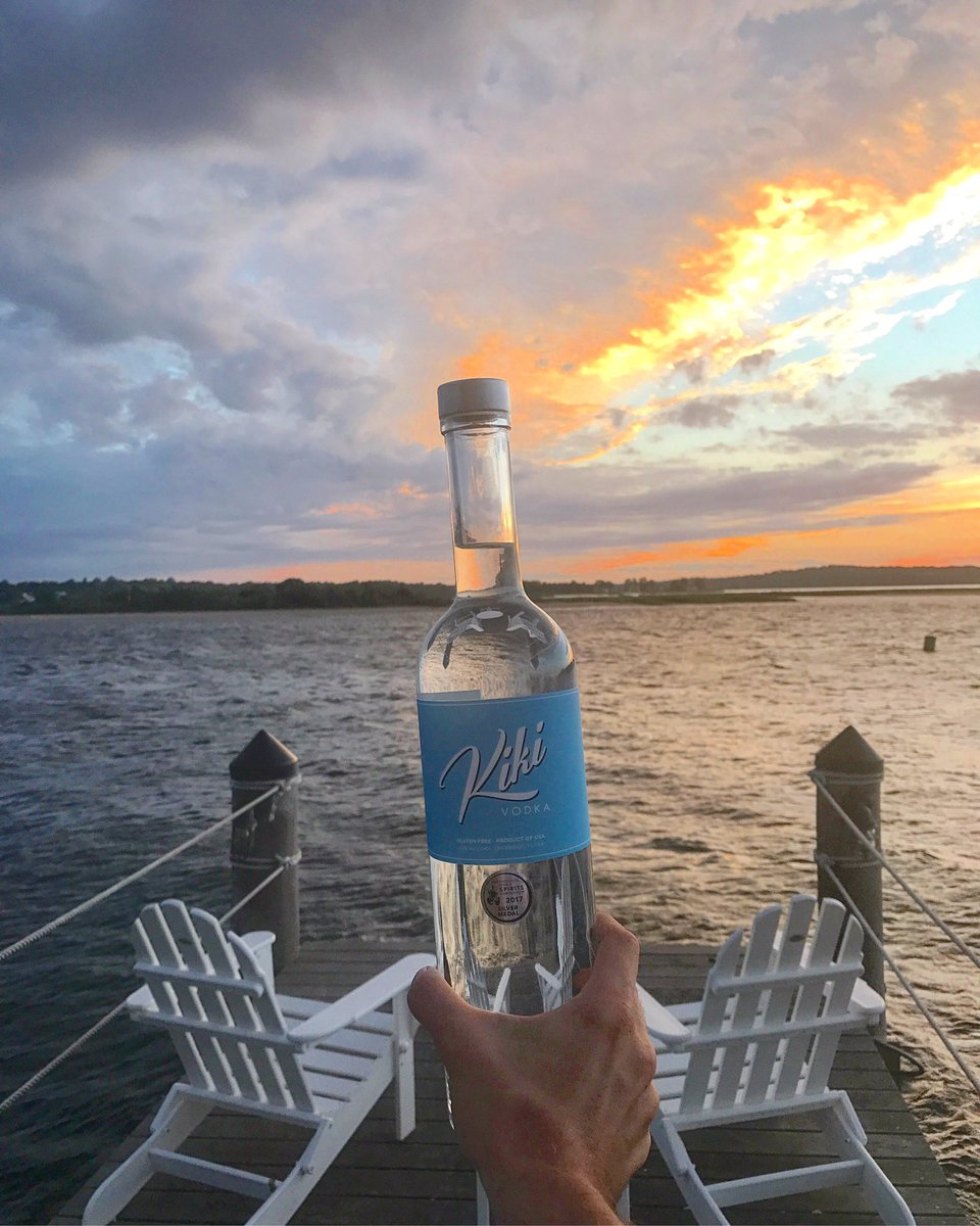 Kiki Vodka On Twitter How Relaxing Does This Look Where Is Your Favorite Place To Sip A Tail Kikivodka Beach Sunset