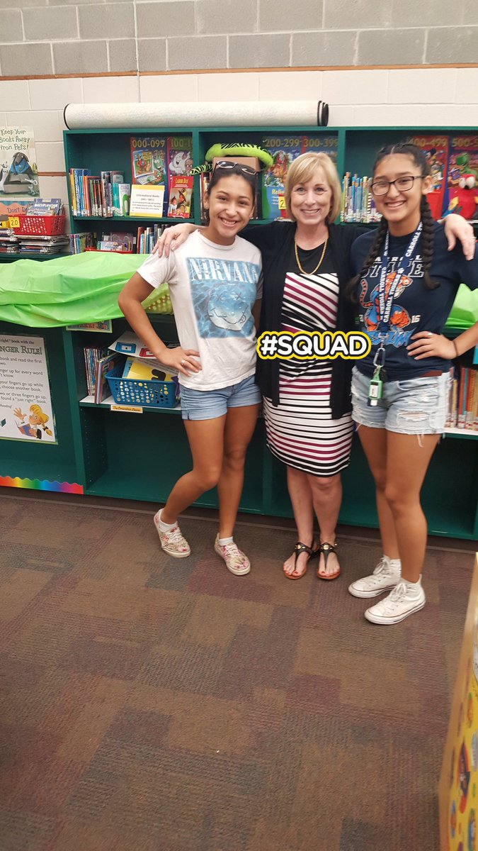 So thankful to @GoCarrollTigers & @TigerPrideCHS for sending students to help our library prep for #harvey . #carrolltigers #saveourbooks <br>http://pic.twitter.com/5ppUipn1hD