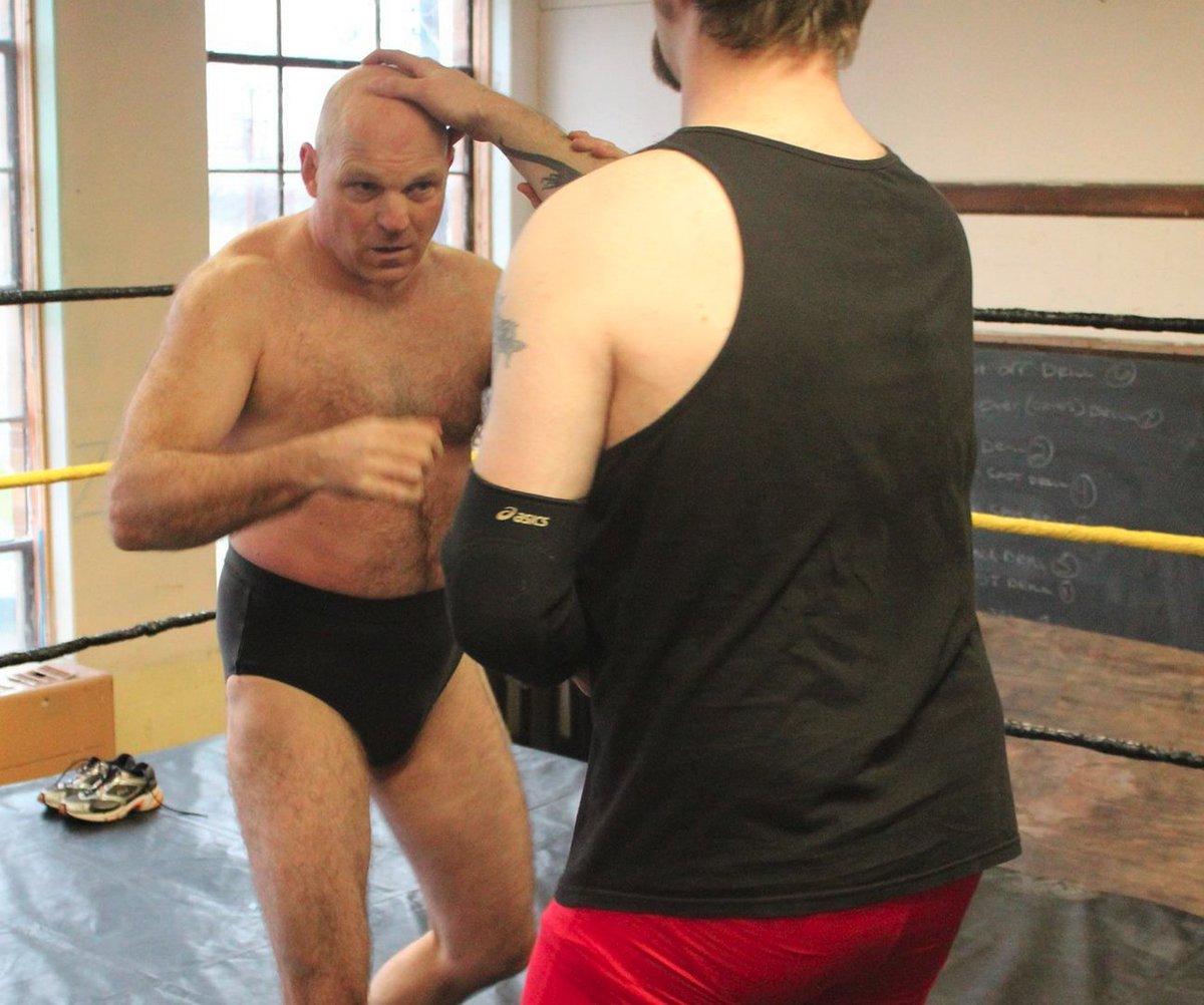 TN hairybear bud from  http:// GLOBALFIGHT.com  &nbsp;   #wrestler #man #wrestling #daddy #daddie #fighting #beatdown #beatup #woof #bald #profile #guy<br>http://pic.twitter.com/QECFdMKtr7