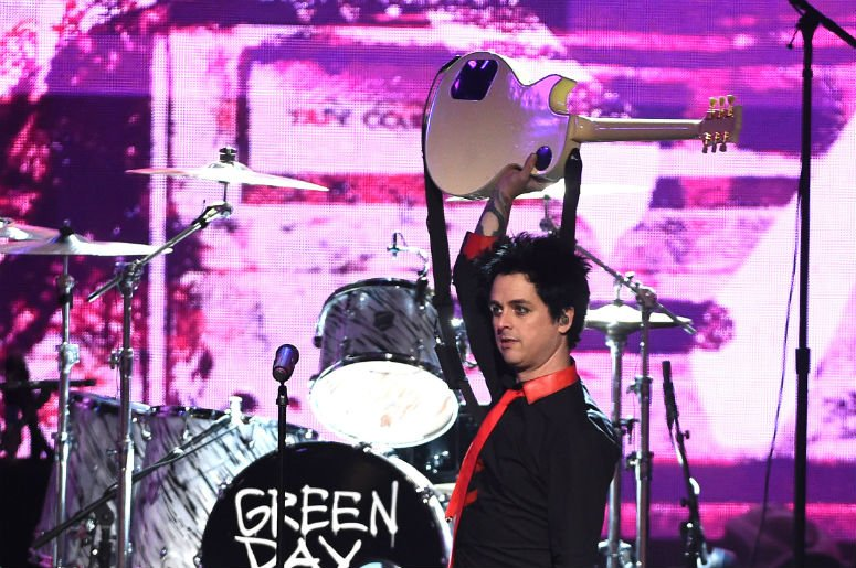 Your love for @GreenDay will skyrocket after watching them bring this 11-year-old onstage: https://t.co/5pRZyiuhLO https://t.co/WAAeMJG7fQ