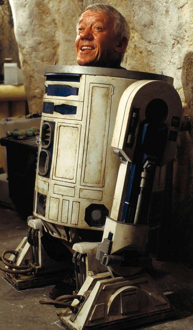 Happy Birthday to the original R2D2, the late great Kenny Baker!  MTFBWY Always