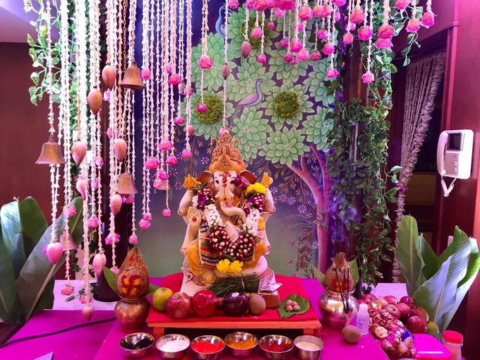 Missing my Ganesha at home this year.. Trust Bappa to bring everything good into your life. Have a great #GaneshChaturthi 🙏🏻😇 https://t.co/L8SDd5tkv6