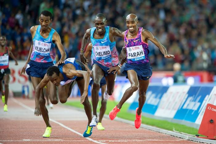 #Mo Farah ends track career with dramatic win  The British athletics community is paying tri  http://www. empowr.com/illimattic?p=B 73SY  … pic.twitter.com/XTBJXeCqbf