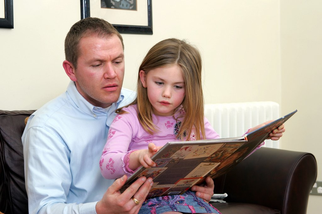 Reading to your child for just 10 minutes a day is enough to make a difference. https://t.co/41UupsXOcC https://t.co/Xrrk6m9rV2