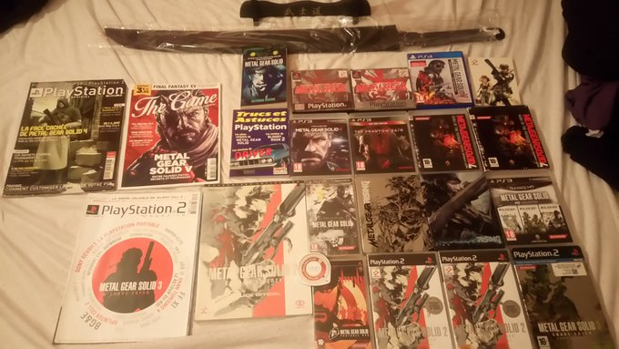 Happy birthday  M. Kojima As a gift my little collection of metal gear solid ^^