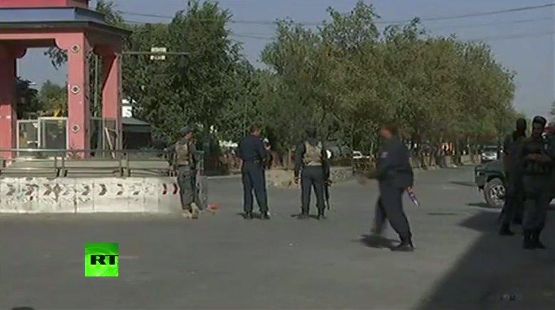 #Explosion et #fusillade dans une mosquée à #Kaboul 📺VIDEO ➡️ https://t.co/S0XqMf93Dl #Afghanistan #attentat
