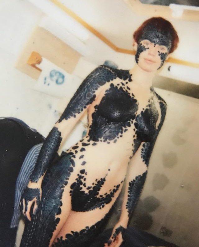 """Universo X-Men on Twitter: """"#XMEN: Rebecca Romijn revelou hoje uma foto do  processo de pintura do corpo para viver Mística na primeira trilogia!… """""""
