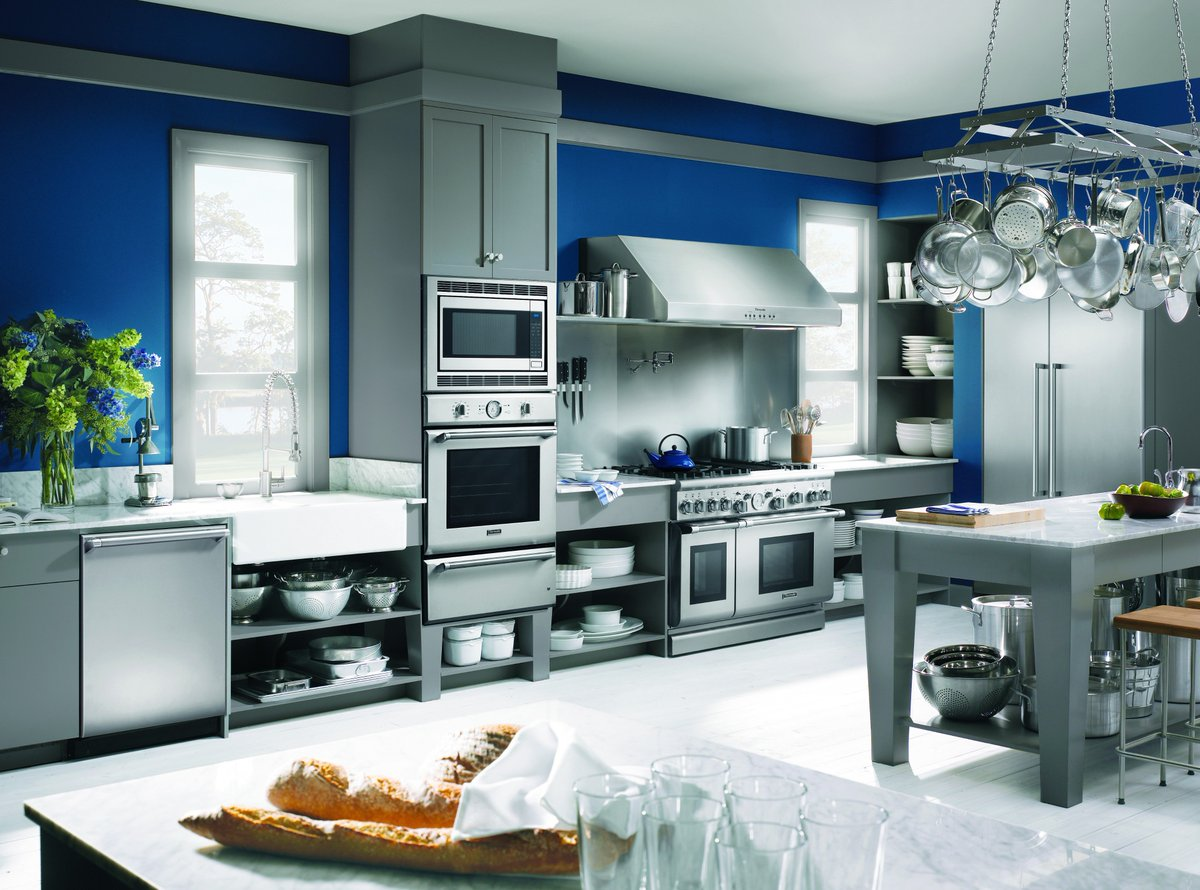 Thermador On Twitter Bold And Blue Tiful Color Us Crazy For This Designer Dream Kitchen Thermadorblue Kitchendesign