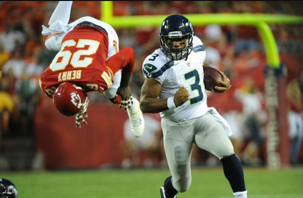 #GoHawks #SEAvsKC  (i know, old picture) <br>http://pic.twitter.com/A52pG0wWxS