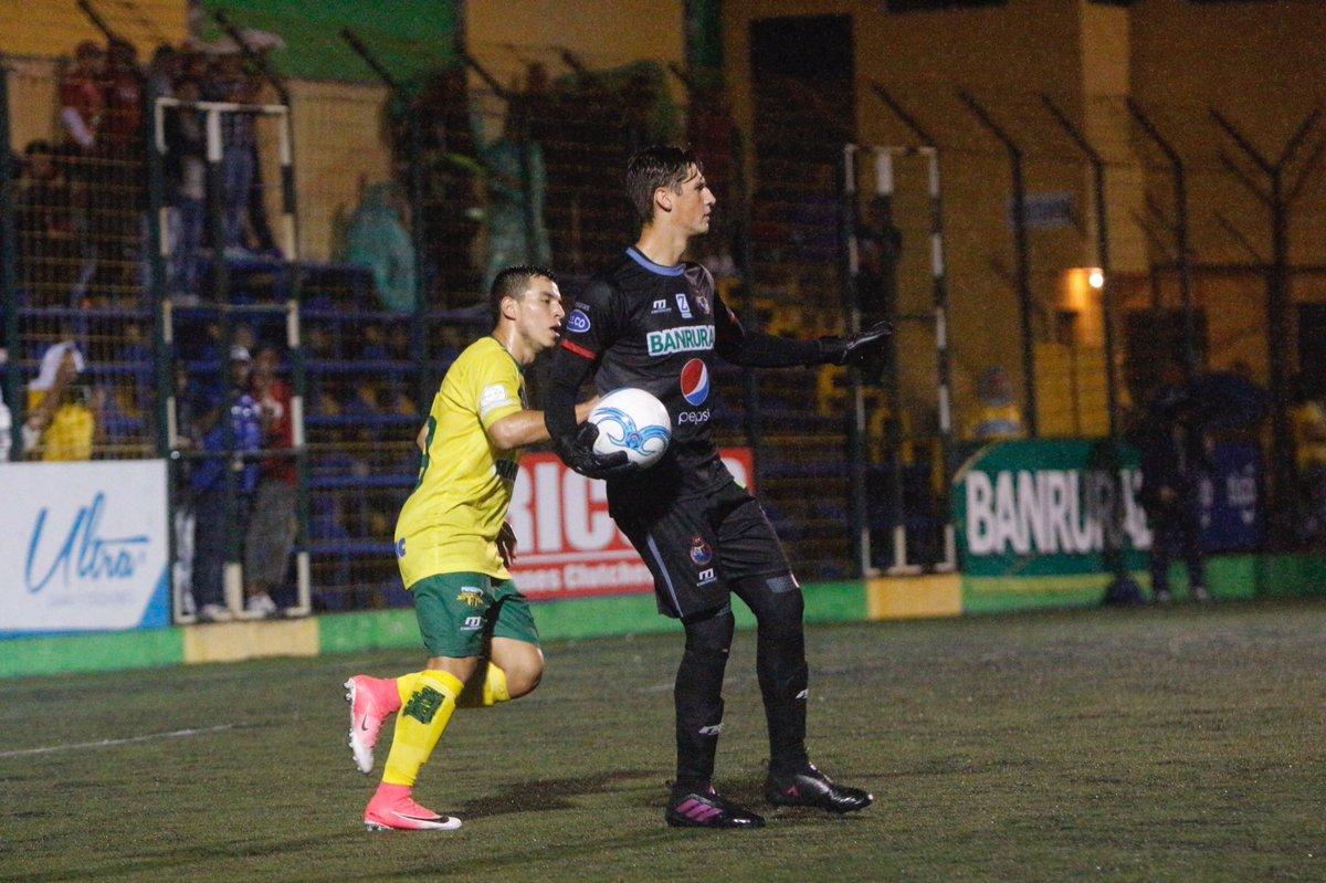 Machaín se conforma con el empate en Petapa