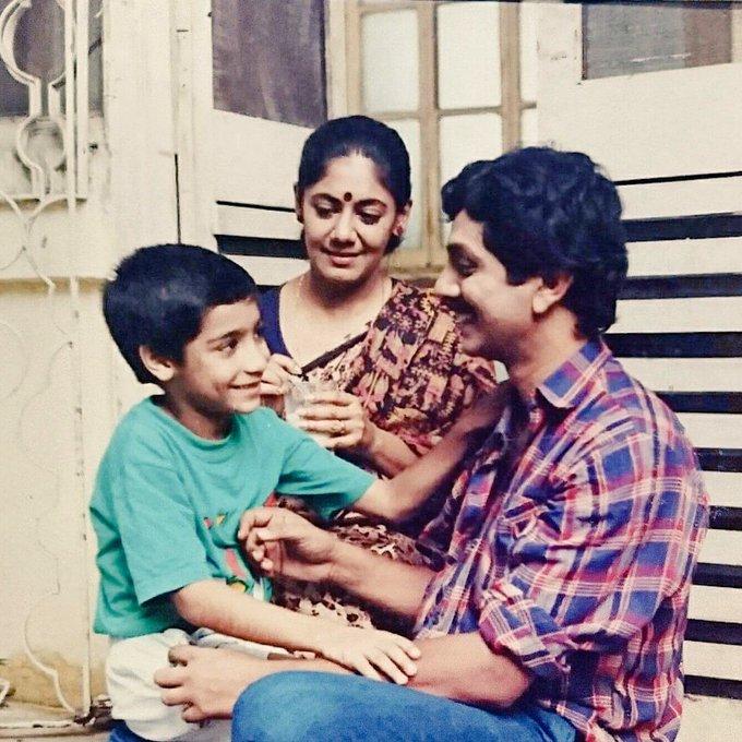 Years ago! On the sets of Anubhab, a telefilm made by Raja Dasgupta. With Anasua Majumdar & Milan Roychoudhury. #throwback https://t.co/CibBHgujBD