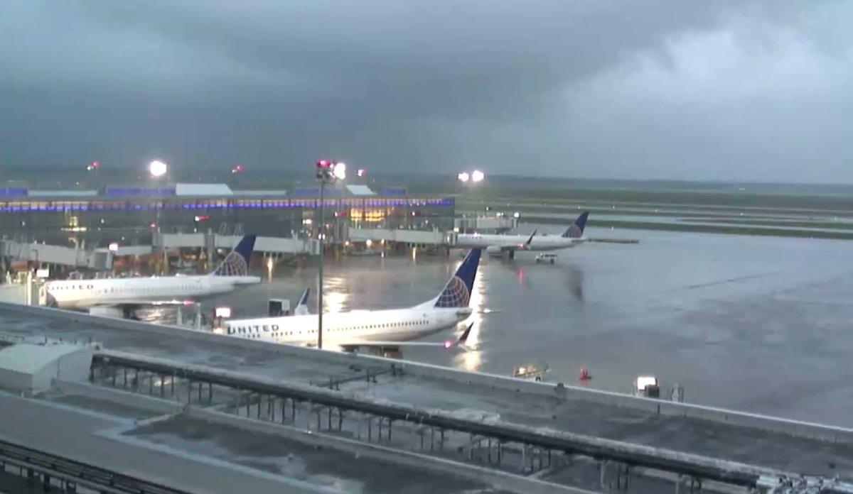 Toronto airport webcam