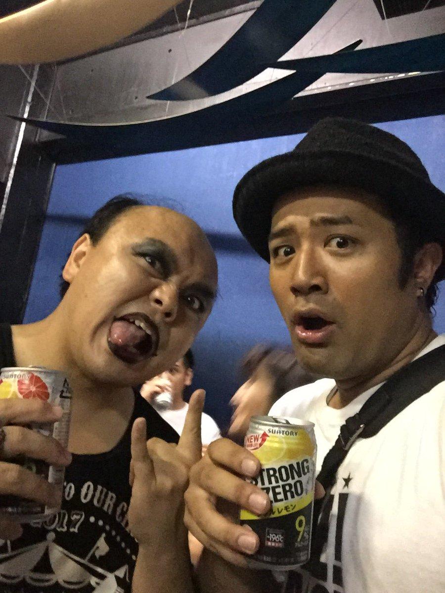 【芸能人と歌手とバンドの夏フェス備忘録】 禿夢エアボーカルのワンワンニャンニャン菊地さんと(\u003d゜ω゜)ノ菊地さんは昔BEE!BANG!BOO!のイベントの司会をやってくれたん