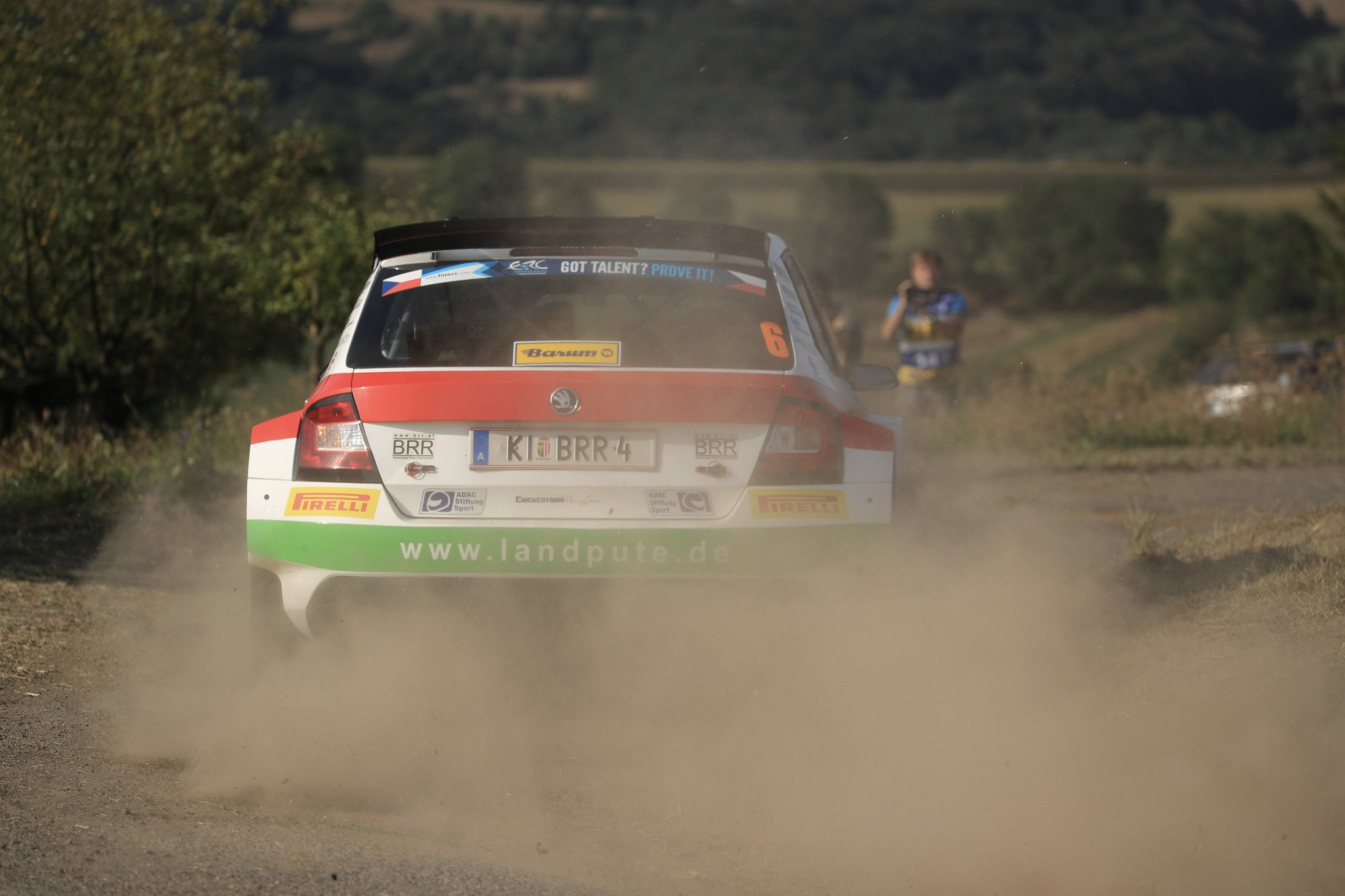 Rally Barum 2017 ERC - Página 2 DIJVOH9XkAAjQ-F