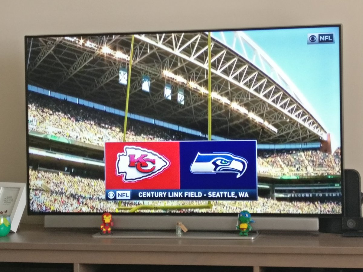Catching up on last night&#39;s #SEAvsKC preseason game. How did I get this far in life without football? <br>http://pic.twitter.com/VcQQ8ymgkB
