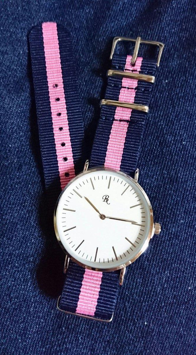 test ツイッターメディア - #daiso #ダイソー #腕時計 #時計  ダニエルウェリントン風 と 話題のものを購入しました。  ベルトの具合いが #星野源 #ビオレu CMの時計に 似てる気がしていて 自分的に満足しています。笑  あ、ちなみに 500円商品です、これ。笑 https://t.co/XkpJ8Ri40s