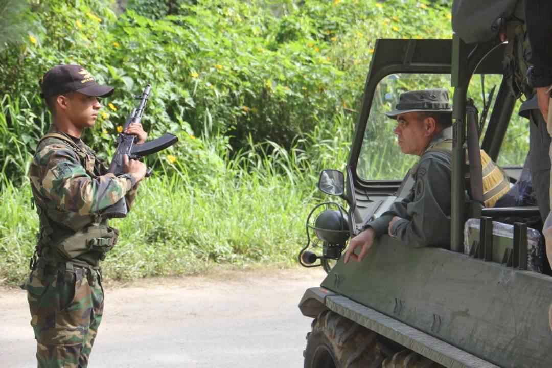 Armed Forces of Venezuela Photos - Page 5 DIKWcT4WAAAH80F