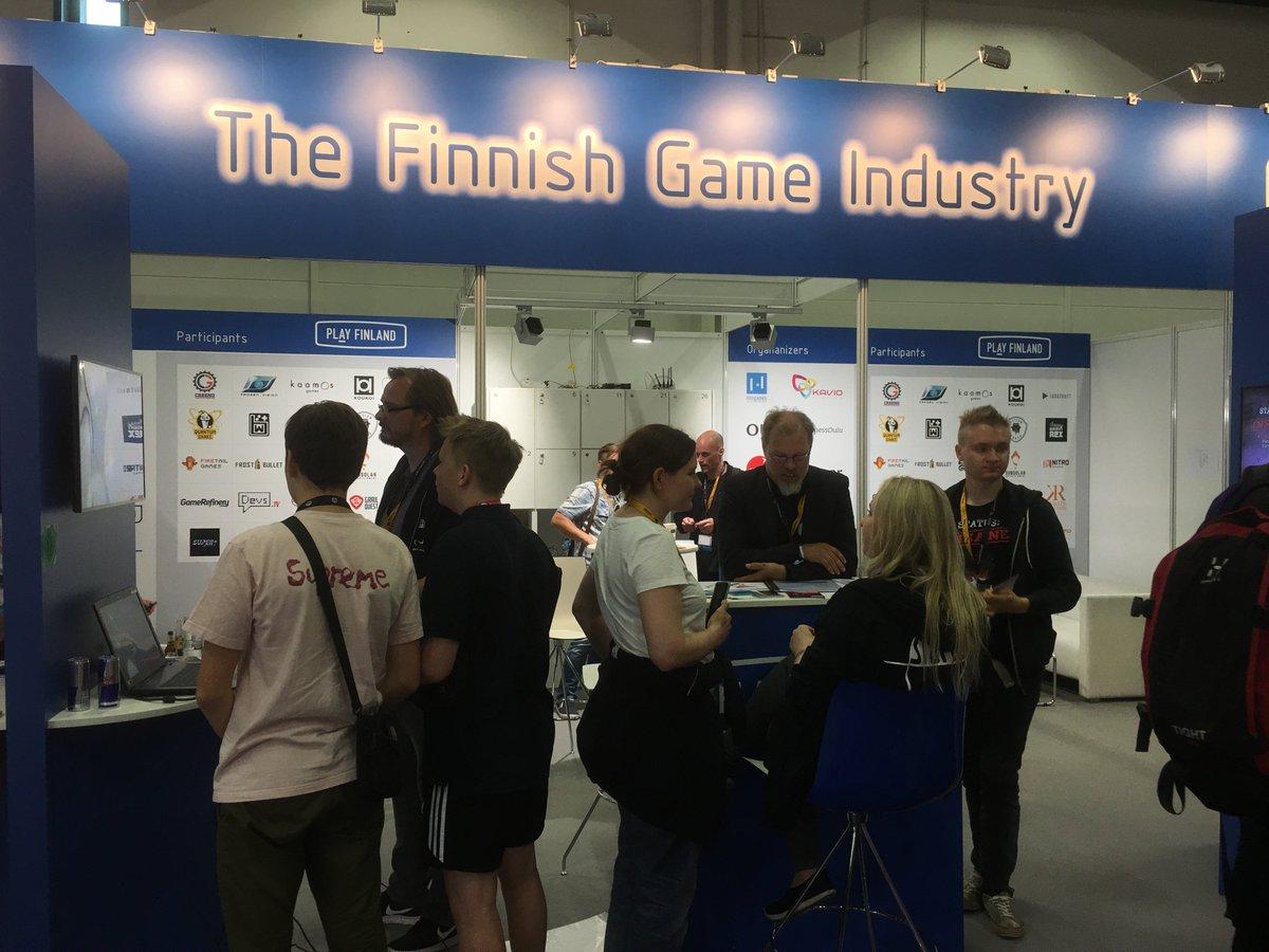 Suomalaisten itsenäisten pelinkehittäjien messupaviljonki.