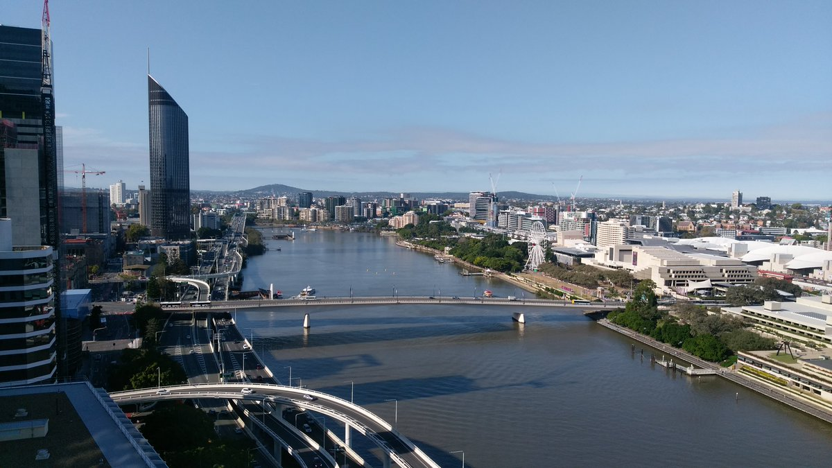 Karen took some of her team to the #fitcongress2017 in Brisbane earlier this month.  Here is a beautiful view of Brisbane <br>http://pic.twitter.com/iWRDUM3nIC