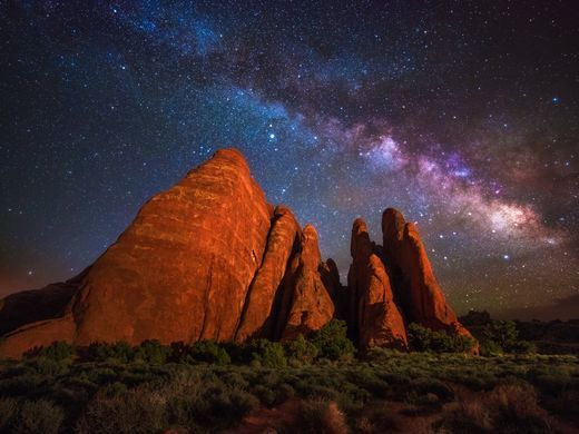 You'll find some of America's best stargazing at national parks https://t.co/YNmymWLzrU https://t.co/9THvL1k8cY