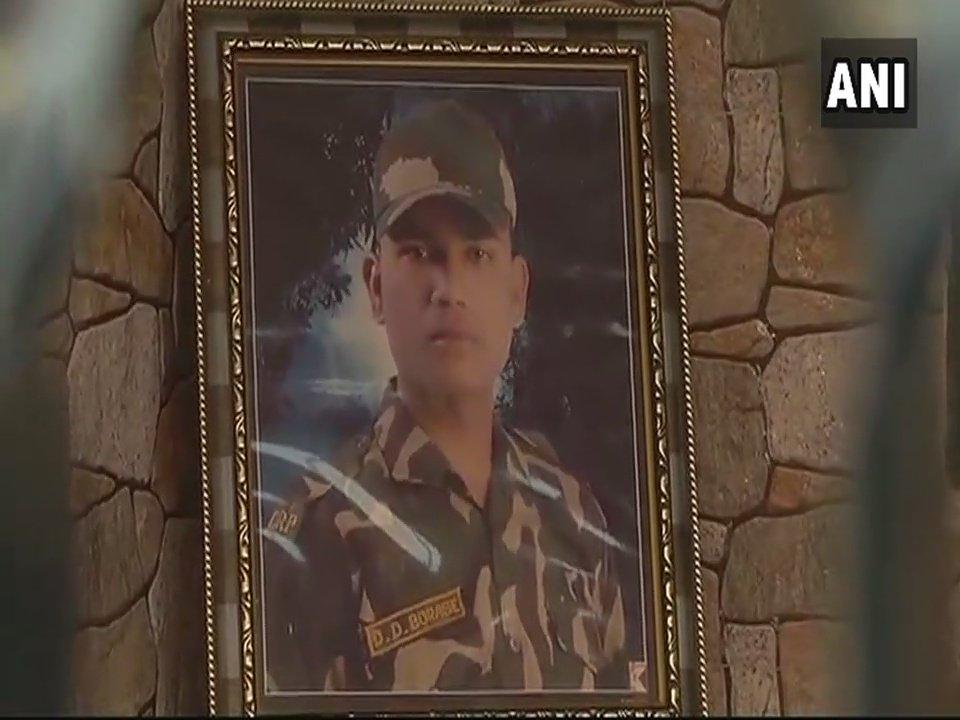 A jawan from Gujarat martyrs in J&K encounter
