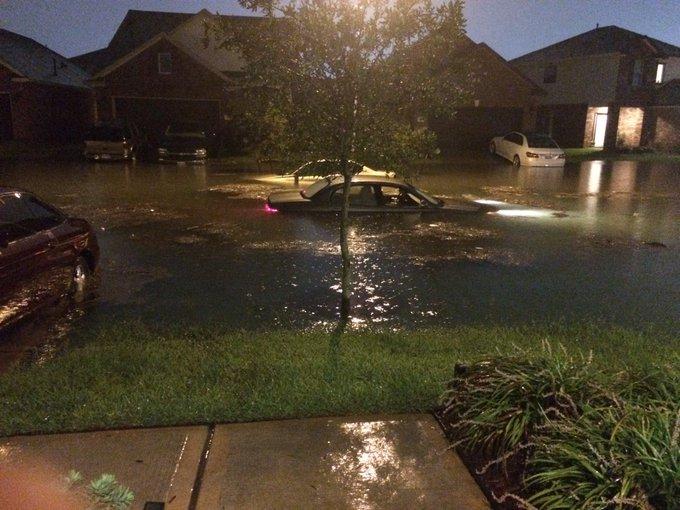 Inundaciones catastr ficas por el paso destructor de harvey en houston texas - La hora en el paso texas ...