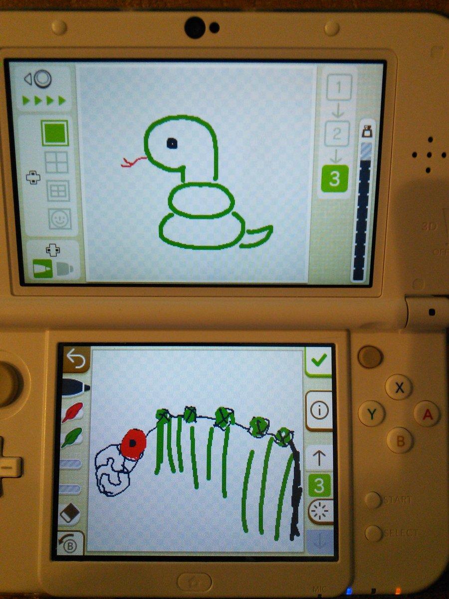上:お手本のへび 下:娘が描いたへび