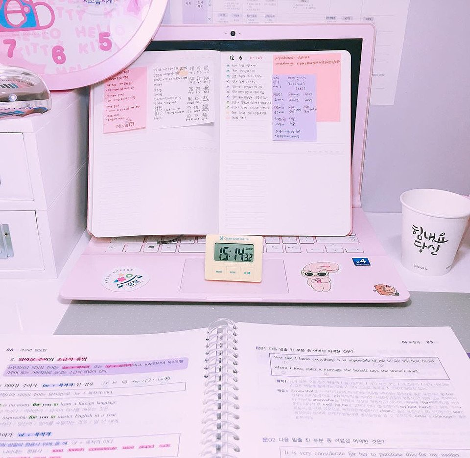 韓国のお洒落さんの勉強風景だってさ♡  #女の子トレンド #パステルカラー #オルチャン pic.twitter.com/A7YB9s9QIC