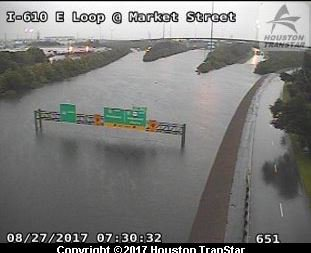 Here's what I-610 looks like in Houston this morning. #Harvey https://t.co/c8pwOJL01s