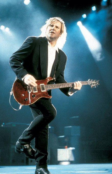 Happy birthday to my favorite guitarist, Alex Lifeson!