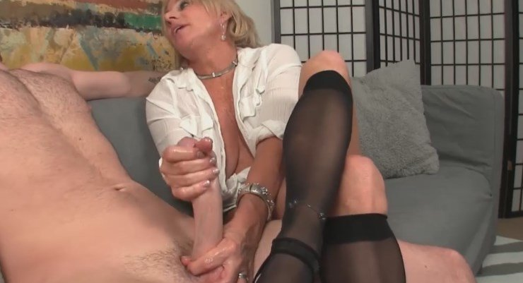 Муж дрочит себе и жене видео, голая кейт уинслет в эротических сценах видео